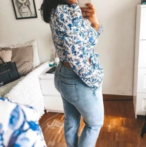 LORNA LUXE 'PRACTICALLY PERFECT' PORCELAIN BLUE WRAP TOP