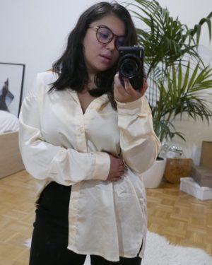 chemise oversize nude en satin
